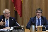 Josep Borrell, alto representante de la Unión para Asuntos Exteriores, junto a Patxi López, presidente de la Comisión para la Reconstrucción.