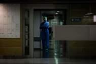 Un médico en un hospital de Mallorca durante la crisis del coronavirus.