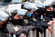 Protesta de policías, en México, este miércoles.