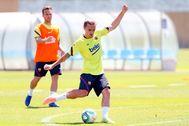 01.07.2020. El futbolista del FC Barcelona Antoine lt;HIT gt;Griezmann lt;/HIT gt;, durante el entrenamiento.
