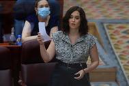 La presidenta de la Comunidad de Madrid, Isabel Díaz Ayuso, este jueves, en el Pleno de la Asamblea.