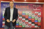 El máximo accionista del Alavés y presidente del Baskonia Josean Querejeta en una comparecencia ante los medios.