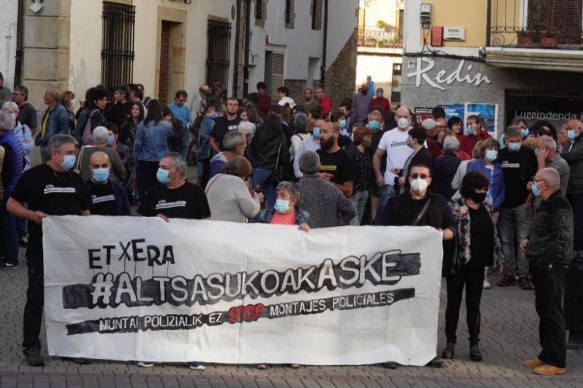 Recibimiento en Alsasua a los condenados.