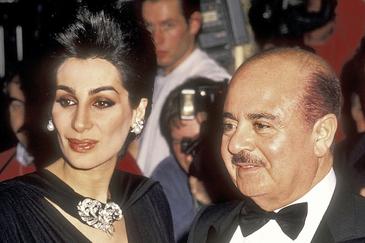 Shahpari Zanganeh y Adnan Khashoggi, en la boda de Donald Trump (1993).