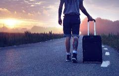 Para un viaje con amigos, en pareja o con niños: cómo elegir la maleta perfecta