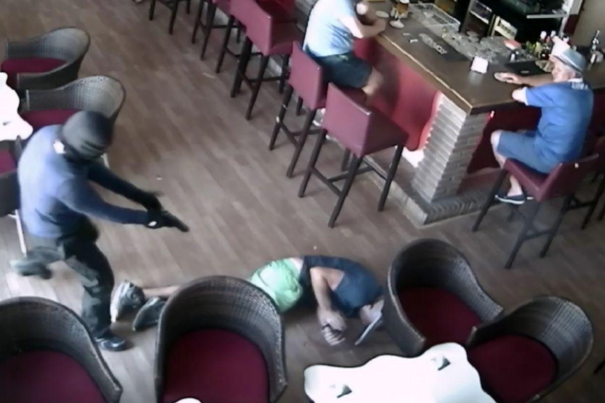 Fotogramada del vídeo del asesinato del padre de un boxeador.