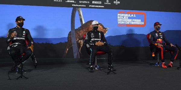 Hamilton, Bottas y Verstappen, en la rueda de prensa del sábado.