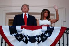 Trump y su esposa en las celebraciones del 4 de julio.