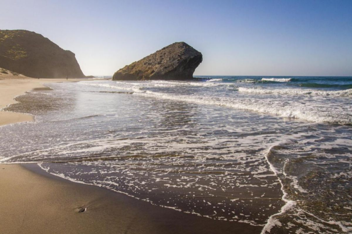 Playa de Monsul, en Cabo de Gata, Almería.