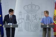 Salvador Illa y Fernando Simón, durante una de sus ruedas de prensa.