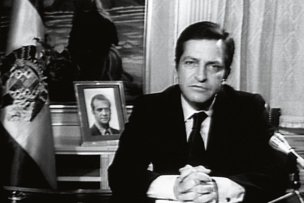 Suárez dio un ejemplo de autocontención cuando dimitió en 1982.