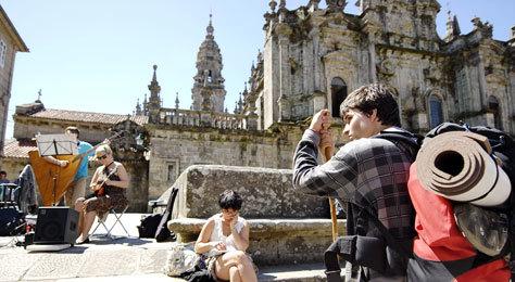 Llegada de los peregrinos a la Catedral de Santiago.