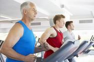 Por qué engordamos a partir de los 30 y cómo evitarlo