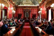 El alcalde, José Luis Martínez-Almeida, preside el Pleno en la Casa de la Villa