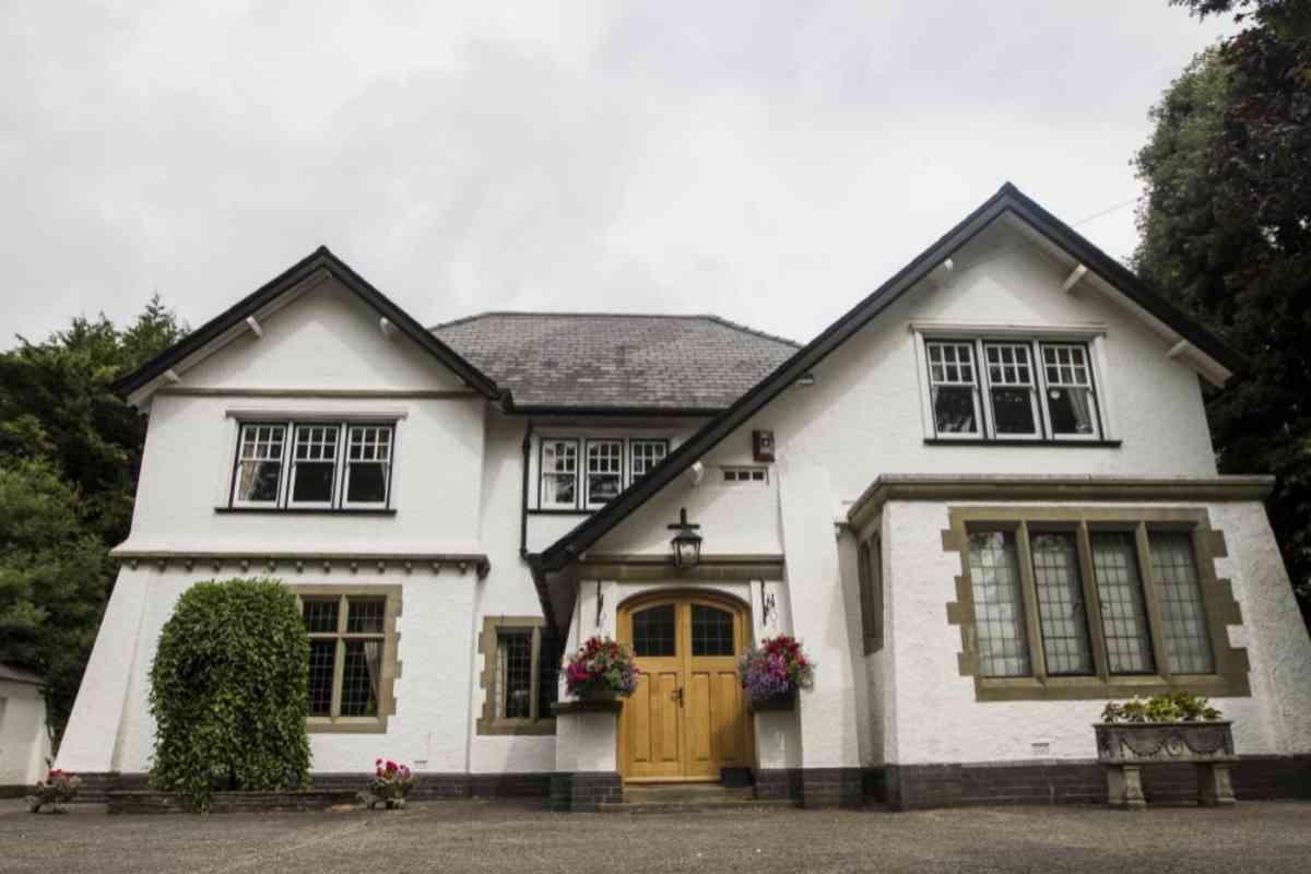 El hogar donde nació y se crió el escritor, en Cardiff.