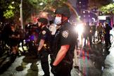 Enfrentamientos entre la policía y los manifestantes en Nueva York tras la muerte de George Floyd.