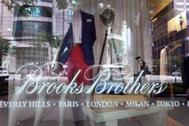 Escaparate de una tienda de Brooks Brothers en Chicago.