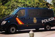 Un vehículo de la Policía Nacional durante una intervención.