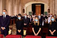 Los Reyes y sus dos hijas, este lunes, en la Catedral de La Almudena, en Madrid, durante el funeral por las víctimas de la pandemia del coronavirus