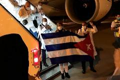La misión médica cubana en Kuwait a su llegada a principios de junio al país árabe. CRÓNICA