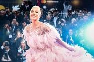 Lady Gaga con vestido de Valentino en la ceremonia de los Oscar 2018