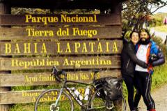 Atrapados en Chile dos españoles que iban de Ushuaia a Alaska en autocaravana y bici