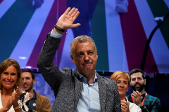 Basque premier Inigo lt;HIT gt;Urkullu lt;/HIT gt; celebrates his party's victory in regional elections at Basque Nationalist Party (PNV) headquarters in Bilbao
