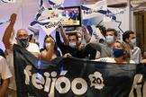 Seguidores de Feijóo  celebran la victoria del PP en Galicia.