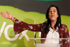 GRAFCAV7282. VITORIA.-La parlamentaria electa de Vox por Álava, Amaya lt;HIT gt;Martínez lt;/HIT gt;, celebra este domingo la entrada del partido en el Parlamento Vasco en un acto en Vitoria.