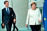 El primer ministro holandés, Mark Rutte, y la canciller alemana, Angela Merkel.