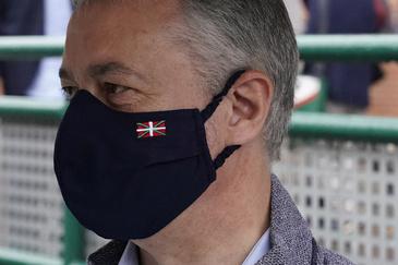 El candidato por el PNV a repetir como 'lehendakari', Iñigo Urkullu, en la jornada electoral.