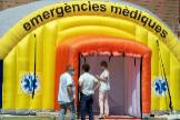 Hospital de campaña montado en el recinto del hospital Arnau de Vilanova de Lleida tras el brote de coronavirus.