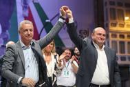 Andoni Ortuzar con Iñigo Urkullu en la noche electoral.
