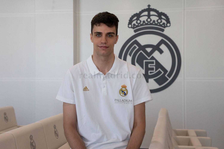 """Carlos Alocén, un base de 19 años para el nuevo Real Madrid: """"Me gusta pasarlo bien en la pista"""""""