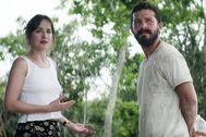 Dakota Johnson y Shia Laboeuf en 'La familia que tú eliges'.