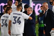 Florentino felicita a la plantilla por el título de Liga.