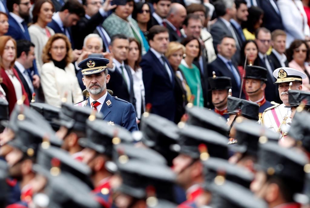 Defensa decide suspender el desfile militar del 12 de octubre ante el riesgo de contagio del coronavirus