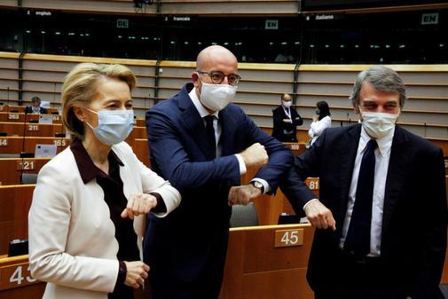 Ursula von der Leyen, presidenta de la Comisión Europea, Charles MIchel, presidente del Consejo de Europa y David-Maria Sassoli , presidente del Parlamento Europeo
