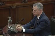 Urkullu declarando como testigo en el juicio del procés.