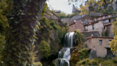 El pueblo de Orbaneja del Castillo (Burgos).