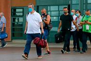 El ex consejero catalán Joaquim Forn (con camiseta blanca), en una de sus salidas de la cárcel de Lledoners (Barcelona).