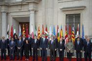Felipe VI en la Conferencia de Presidentes de 2017, con Mariano Rajoy en el Gobierno.