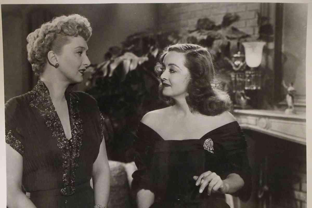 Celeste Holm y Bette Davis.