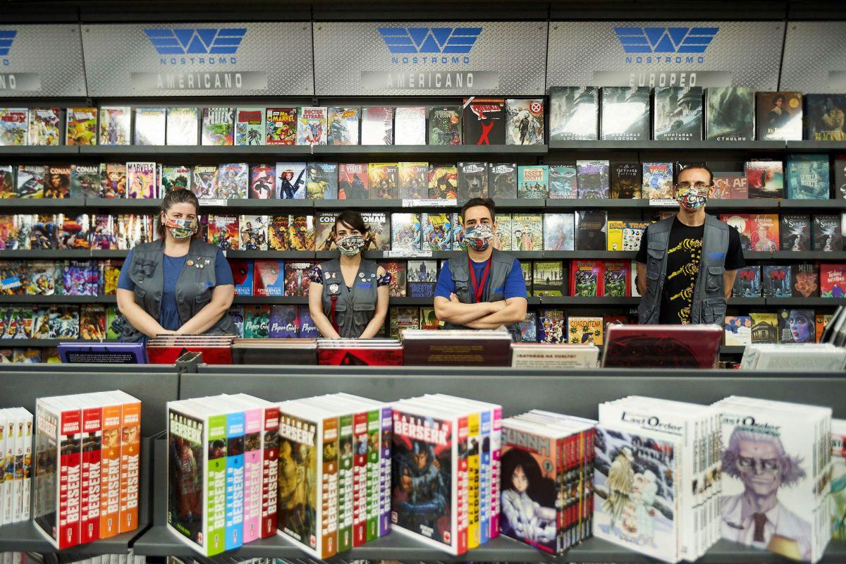Los trabajadores de la tienda Nostromo.