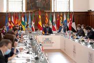Pedro Sánchez, junto a los presidentes autonómicos en la Conferencia celebrada en San Millán de la Cogolla (La Rioja).