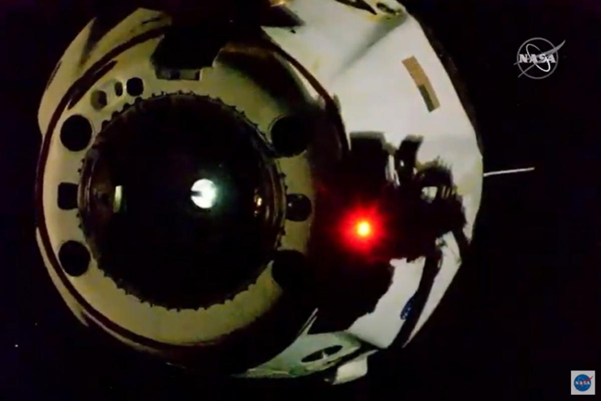 Los Astronautas Del Endeavour Regresan A La Tierra En El Primer Amerizaje En 45 Años Ciencia