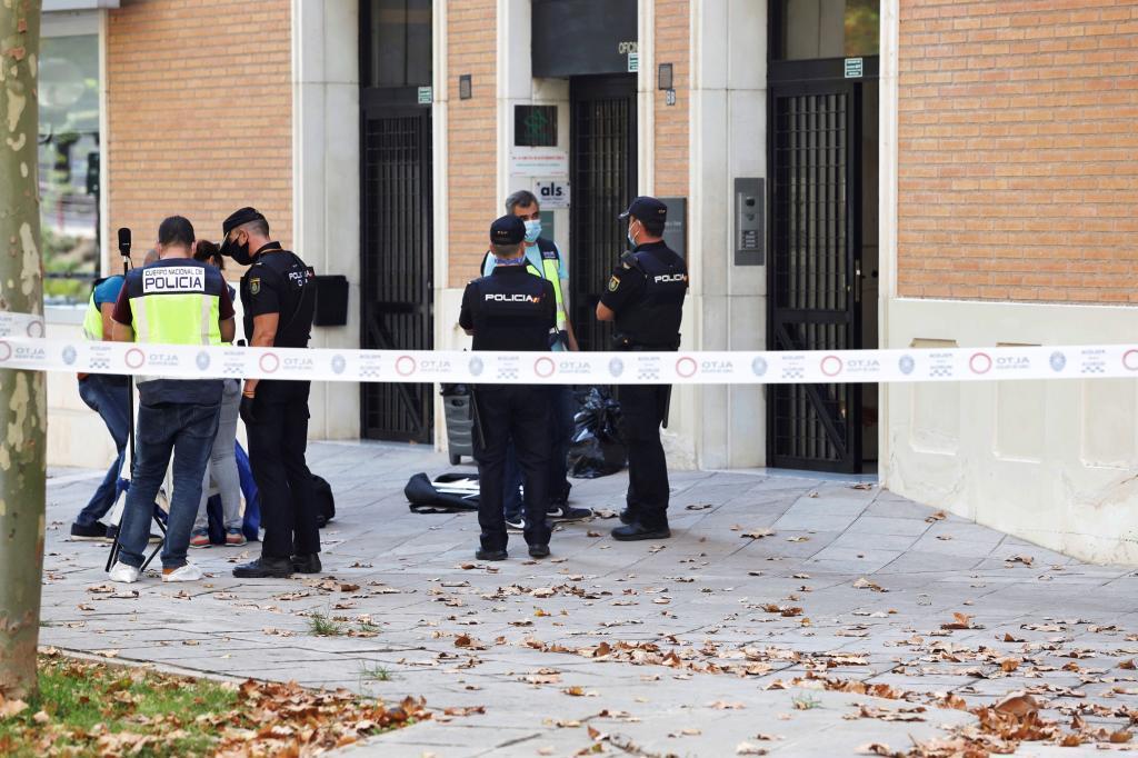 El hijo de José Antonio Villegas estaba ensangrentado y tenía pistolas de fogueo cuando se entregó a la Guardia Civil