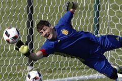 Diez grandes momentos para recordar a Iker Casillas