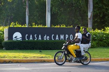 Acceso al complejo hotelero Casa de Campo, en La Romana (República Dominicana).