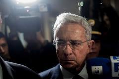 El exp residente de Colombia Álvaro Uribe a su llegada a la Corte Suprema de Justicia.